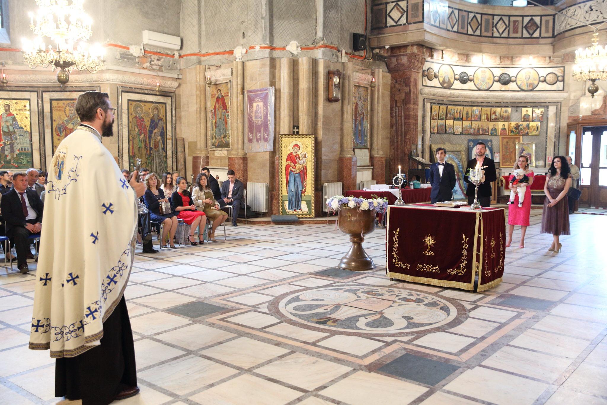 Botez la Mănăstirea Cașin